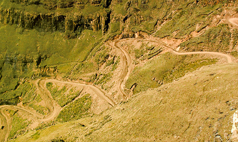 Últimas 6 curvas Sani Pass