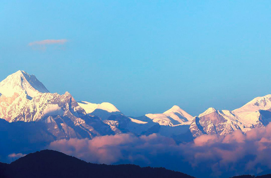 Vistas hacia el Himalaya desde Dhampus