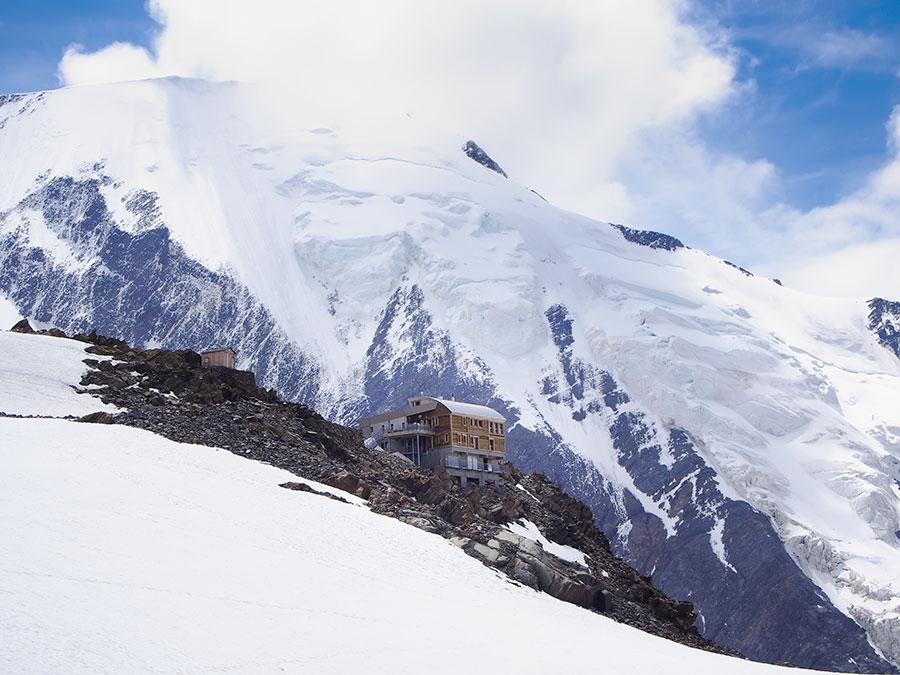 Refugio de Tête Rousse y arista de Bionassay